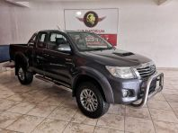 Used Toyota Hilux 3.0D-4D Xtra cab 4x4 Raider Dakar edition for sale in Cape Town, Western Cape